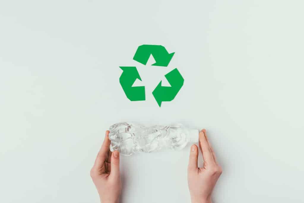 idée recyclage bouteille en plastique